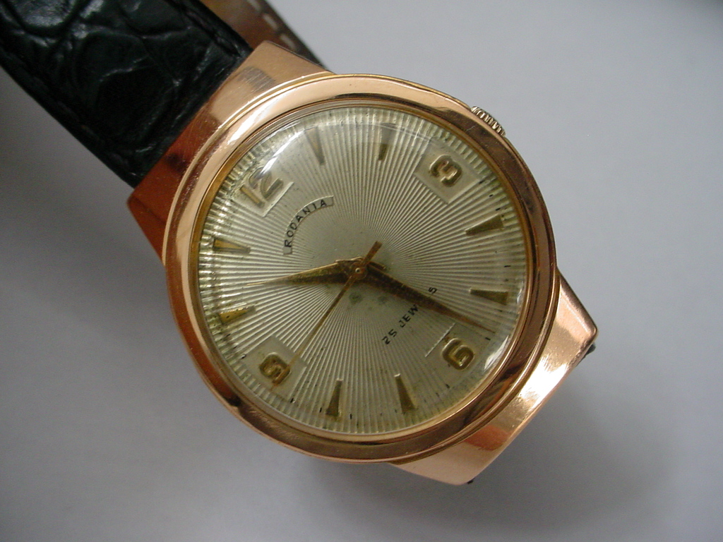 Vintage 1950s Rodania in 18K Red Gold Case