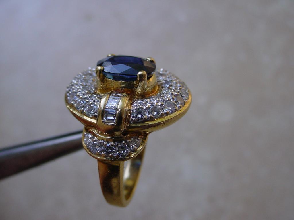 ringsapphdiamonds18K3