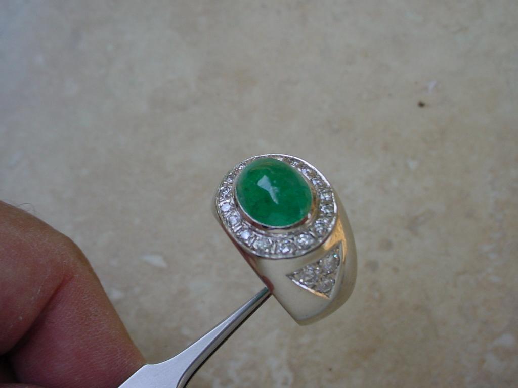 ringCabEmerald5.93Ct2