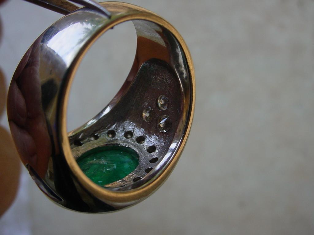 ringCabEmerald5.93Ct9
